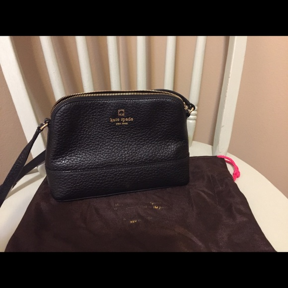 kate spade Handbags - Kate Spade crossbody with dust cover